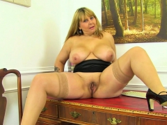 british-milf-gilly-dildos-her-shaven-fanny-for-us