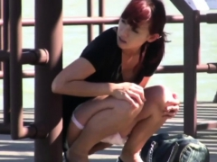 asian-babe-public-peeing