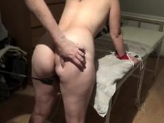 dansk-pige-lys-spanking-med-pisk-lidt-blid-bondage-ben