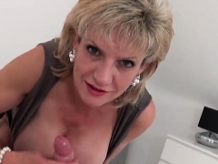 unfaithful british mature lady sonia displays her huge melons