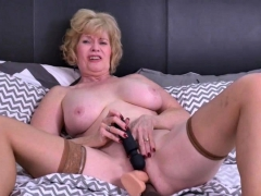 american mature lady sindee dix playing with her toys