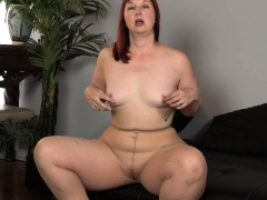 Usa Milf Scarlett Lets You Enjoy Her Meaty Saddle Bag Hips