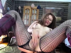 Milf Rubbing Her Cunt Until She Squirts Hard