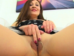 uk-milf-kitty-cream-gets-hot-and-bothered-on-toilet