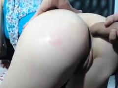european-amateur-woman-shows-her-ass