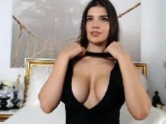 babe-kittennischeeky-flashing-boobs-on-live-webcam