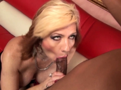 blonde-is-getting-shagged-and-licked-nicely