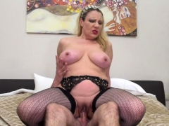 italian-curvy-housewife-valentina-doing-her-toyboy