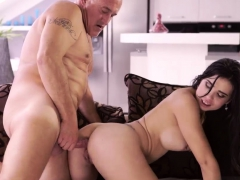 daddy-chum-s-daughter-anal-hd-and-old-chick-young-cock