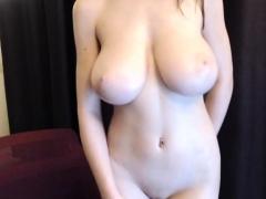 kelsey-brunette-amateur-babe-toying-pussy