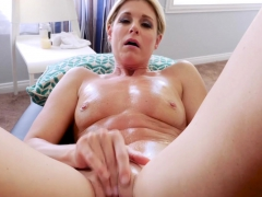 milf-stepmoms-thirsty-pussy-exploded-after-a-stepson