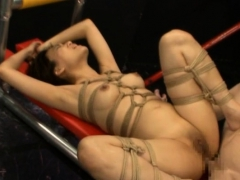 pretty-playgirl-removes-undies-to-pose-when-anal-fucking