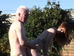 poking outdoors makes her reach an orgasm
