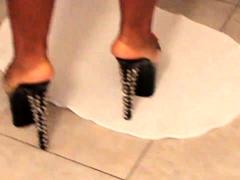 solo-masturbation-and-the-foot-fetish