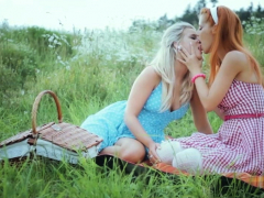 lesbians with monster boobs on a road trip have sex outdoor سكس محارم