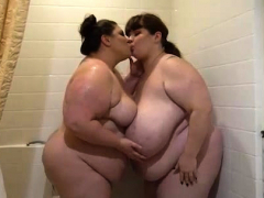 All Natural Bbw Lexxxi Luxe Showers With Big Belly Babe