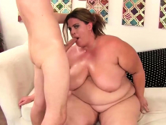skinny-guy-fucks-naughty-bbw-erin-green
