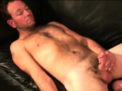 mature-amateur-harry-jacking-off