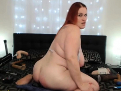 BBW Babe With Big Natural Tits And Ass