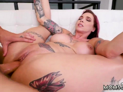 sexy-mom-at-home-first-time-making-my-step-mom-squirt
