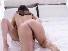 jenna-sativa-rubs-kristen-scott-to-orgasm-after-shes-licked