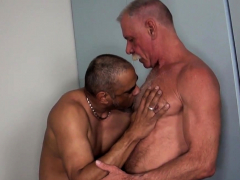 mature-hunk-assfucked-by-horny-bear