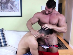 muscle-bodybuilder-anal-and-cumshot