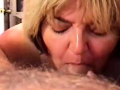 amateur-milf-girl-sucking-a-cock-swallowing-cum