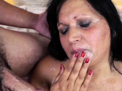 fat-granny-mouth-spermy