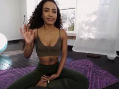 Vrbangers Sexy Ebony Babe Find Her G Spot