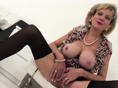 unfaithful british milf lady sonia presents her massive h50daf
