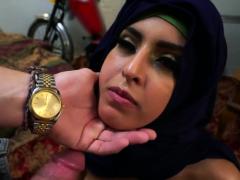 muslim-foot-on-my-way-home-i-keep-eyeing-these-splendid