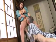 tiny-busty-japanese-wife-titjob