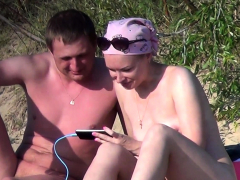 public-beach-sex-of-a-voyeur-horny-couple