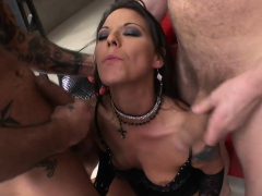 Slut brunette licked and double analed by three big cocks