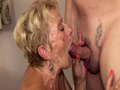 hairy-old-mom-deep-fucked