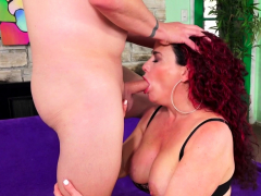 Getting Dirty With Mature Amanda Ryder