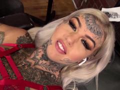 amber-luke-masturbates-while-getting-tattooed