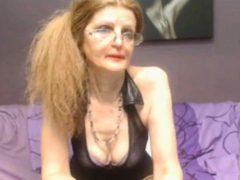 sexy-webcam-granny-assspreading