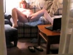 Peeper catches chubby milf masturbating on webcam