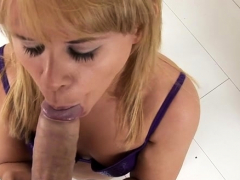 Ambitious Elizabeth Bentley's poon tang gets fully satisfied