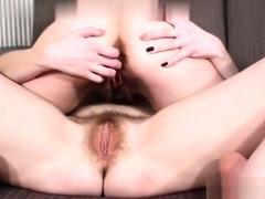 hairy-pussy-fingering-amateur-lesbians