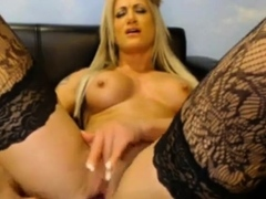 stunning-hot-blonde-on-webcam