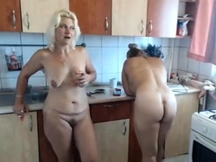 sexy-big-boobs-blonde-milf-gives-her-man-a