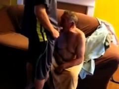 abuelo-cachondo-horny-grandpa