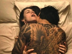 alexandra-daddario-big-tits-and-ass-in-sex-scenes