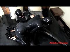 hot-latex-milf-in-sexy-black-latex-dress