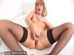 Horny Mature Housewife With Golden Part5