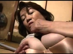 busty-mature-tugging-on-cock-before-facial-cumshot