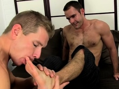 solo-foot-fetish-oral-stimulation-play